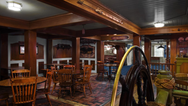 columbia-harbour-house-00