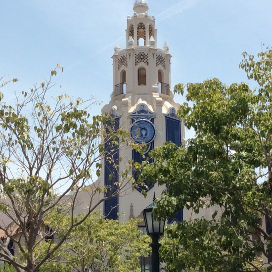"""Carthay circle theater on buena visit drive"""