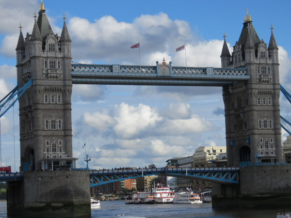 """London Tower Bridge"""