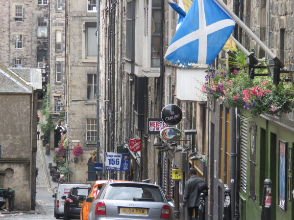 """Royal Mile street view"""